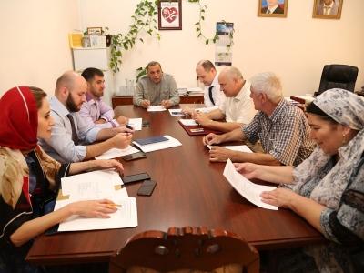 В рамках исполнения графика, 25 августа в Министерстве под председательством исполняющего обязанности министра промышленности и энергетики Чеченской Республики Р.А. Магомедова состоялось четвертое заседание Балансовой комиссии