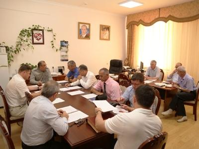В соответствии с Планом работы Штаба по обеспечению безопасности электроснабжения  Чеченской Республики 25 августа текущего года в Министерстве промышленности и энергетики Чеченской Республики проведено очередное заседание Штаба