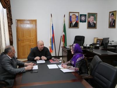 Министр промышленности и энергетики Чеченской Республики Г.С. Таймасханов провел встречу с вице-президентом ПАО «Газпромбанк» Валентином Добрыниным