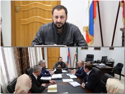 Заместитель Председателя Правительства Чеченской Республики - министр промышленности и энергетики Чеченской Республики М.Б. Байтазиев провел первое рабочее совещание
