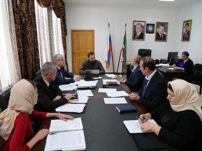 Заместитель Председателя Правительства Чеченской Республики - министр промышленности и энергетики Чеченской Республики М.Б. Байтазиев провел второе совещание с директорами департаментов