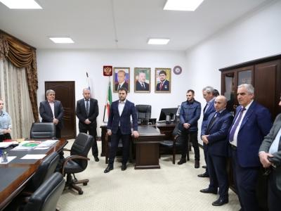 Поздравление с Новым Годом от Министра промышленности и энергетики Чеченской Республики Р.Р. Шаптукаева
